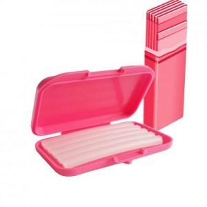 wosk ortodontyczny w różowym pudełku